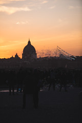 Sunset on Rome with bubbles (Dreidor) Tags: sunset rome dusk sun shadows silhouette bubbles saintpeter sanpietro pincio flaminio orange pink sky clouds people bobbles