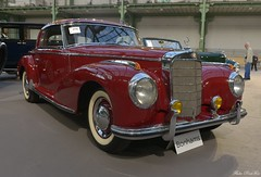 1953 Mercedes Benz 300 S coupé (pontfire) Tags: 1953 mercedes benz 300 s coupé 53 red rouge w188 bonhams 1793 les grandes marques du monde au grand palais voiture voitures cars auto autos automobile automobili automobiles coche coches carro carros wagen pontfire bil αυτοκίνητο 車 автомобиль classique ancienne vieille collection de classic old antique vieux tacots paris 2018 luxe luxury luxueuse allemande german deutsches