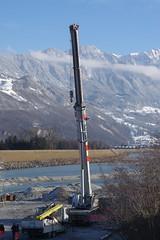 IMGP3474 Autokran im Rheinbett (Alvier) Tags: schweiz ostschweiz alpenrheintal rheintal rhein rheindamm baustelle autokran bunker railjet berge alpstein dreischwestern alvier
