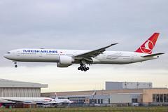 Turkish Airlines - Boeing 777-36NER TC-LKA @ London Heathrow (Shaun Grist) Tags: tclka tk turkish turkishairlines boeing 777 shaungrist lhr egll london londonheathrow heathrow airport aircraft aviation aeroplanes airline avgeek landing 27l