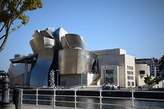 Museo Guggenheim Bilbao (País Vasco, España, 27-9-2018) (Juanje Orío) Tags: 2018 bilbao vizcaya provinciadevizcaya paísvasco euskadi españa espagne espanha espanya spain europa europe europeanunion unióneuropea museo museum ría agua water nervión