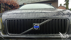 Volvo S80 2.4T Plastidipped Grille (ND-Photo.nl) Tags: volvo s80 s60 v70 v70n p2 wasa limited edition maintenance diy repair 2002 24t 25t car black metallic zwart headlight wipers wiper plastidip vulcanised rubber removable coating matte grille front