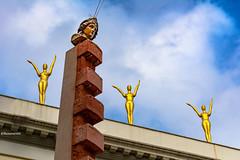 Obelisc de la televisió - Depressió Endògina - Homenatge a Gala-Dalí de Figueres
