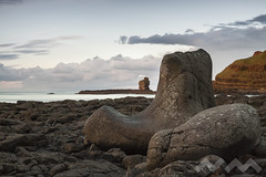 The Giant's boot (RaulM21) Tags: ireland irlanda giant boot causeway northernireland nornireland sea mar sky cielo nube cloud stone roca piedra acantilado cliff