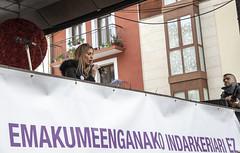 La concejala de Igualdad, Beatriz Gámiz, lee la declaración institucional.