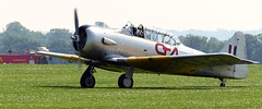 North American Harvard advanced trainer (Snapshooter46) Tags: northamerican texan harvard advancedtrainer secongworldwar iwm duxford airshow