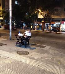 pagando para ver (lucia yunes) Tags: rua cenaderua fotografiaderua fotoderua mobilephotographie mobilephoto bar bares boteco solitário solidão botequim streetphoto streetphotographie streetlife lifeinstreet motozplay a