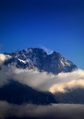 Jade Dragon Snow Mountain, Lijinag, Yunnan Province, China (Eric Lafforgue) Tags: a7682 asia bluesky china cloud colorpicture copyspace day dayantown extremeterrai glacierpark highup jadedragonsnowmountain lijiang majestic nature nopeople outdoor ridge rough scenics snow unescoworldheritagesite vertical yunnan yunnanprovince