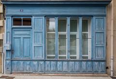 Place de la Mairie, Boulogne-sur-Gesse (Ivan van Nek) Tags: france occitanie midipyrénées frankrijk frankreich nikon nikond7200 d7200 doorsandwindows ramenendeuren 31 hautegaronne blue blauw blau bleu windows fenêtres ramen derailinator mysteriousplacewithnoname