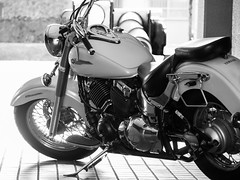 Yamaha Drag Star (odeleapple) Tags: olympus omd em1 zuiko digital 40150mm zd motorbike yamaha drag star monochrome bw