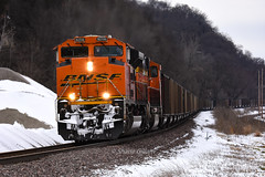 Cold day on the Bnsf. (Machme92) Tags: bnsf burligrton bn emd railroad railfanning railroads railfans rails rail row railroading railfan nikon nikond7200 hannibalsub