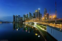 ORIFLAMMES (ChieFer Teodoro) Tags: canon 6d 1635mm gitzo gt2541 arca swiss landscape cityscape blue hour jubilee bridge oriflammes ilights 2019 singapore reflection marina reservoir cbd