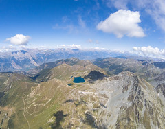 Lac des Vaux (Alexis Antille) Tags: mayensdechamoson valais suisse verbier villeneuve acroshow parapente paragliding vol oiseau redbull