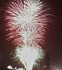 IMG_2403 (lesleydoubleday) Tags: meltonmowbray meltonboroughscenes fireworks twinlakes