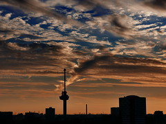 Shades of Sunset (louise peters (taking a break)) Tags: sunset zonsondergang sundown sky clouds cloudy wolken bewolkt skyline euromast delfshaven rotterdam urban stad city orange oranje blauw blue silhouette