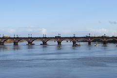 Pont de Pierre, Bordeaux, France (Tiphaine Rolland) Tags: bordeaux france gironde autumn automne 2018 nikond3000 nikon d3000 pont bridge pontdepierre stonebridge eau water river rivière garonne