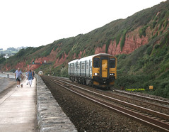 150232 Dawlish August 2018 (Ado Griff) Tags: class1502 dmu greatwesternrailway dawlish devon 150232