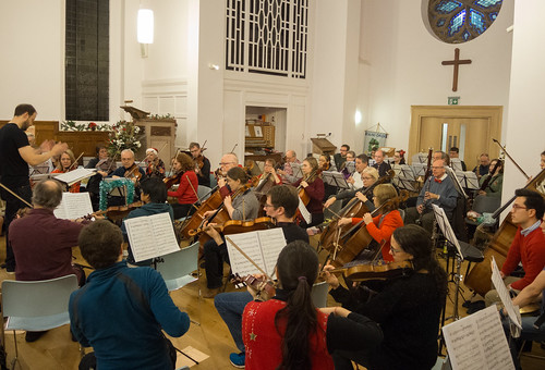DSCN2042c Ealing Symphony Orchestra Christmas Concert rehearsal. 15th December 2018. Ealing Green Church, west London (photo Lucy Robinson)
