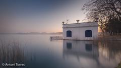 Pesquera a l'Estany de Banyoles (vfr800roja) Tags: girona pesquera estany albada banyoles bañolas provinciadegerona españa es