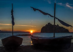 Epiphany's dawn (Nunzio Pascale) Tags: alba dawn albadellepifania albadellemandra barche castelloaragonese sole