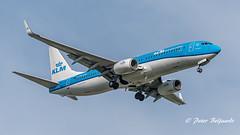 PH-HSE   Boeing 737-800 - KLM Royal Dutch Airlines (Peter Beljaards) Tags: phhse klm nikon7003000mmf4556 landing final aviationphotography nikond5500 blauwstaart bluetail boeing737800 737 boeing737 flyingdutchman netherlands dutch msn39259 cfm567 extransavia haarlemmermeer aircraft airplane peterbeljaards flyingblue inbound schiphol arrival