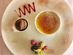 #Crème  #brûlée (RenateEurope) Tags: 2019 renateeurope iphoneography delicious cholesterol nachspeise plateddessert sweet foodporn food cremebrulee