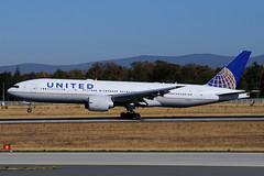 N78013 (United Airlines) (Steelhead 2010) Tags: unitedairlines boeing b777 b777200er fra nreg n78013