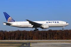 United Airlines  Boeing 777-224(ER) N78013 (widebodies) Tags: frankfurt main fra eddf widebody widebodies plane aircraft flughafen airport flugzeug flugzeugbilder united airlines boeing 777224er n78013
