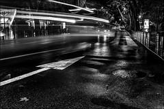 Etre sur la bonne voie... / To be on the right way... (vedebe) Tags: rue street ville city urbain urban voitures poselongue poseslongues lumière lumières reflets reflet route noiretblanc netb nb bw monochrome