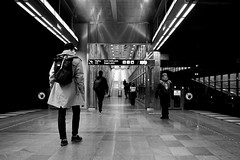 MALMO STREE TRAIN BW 190315-23-P2023478 (svenerikols) Tags: streetphotography street