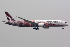 Qantas | Boeing 787-9 | VH-ZND | Yam Dreaming livery | Hong Kong International (Dennis HKG) Tags: aircraft airplane airport plane planespotting oneworld canon 7d 100400 hongkong cheklapkok vhhh hkg qantas qfa qf australia boeing 787 7879 boeing787 boeing7879 dreamliner vhznd