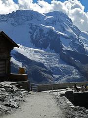 D20029.  Gornergrat. (Ron Fisher) Tags: schweiz suisse svizzera switzerland kantonwallis valais cantonvallese europa europe zermatt mountain snow diealpen thealps swissalps alpessuisses schweizeralpen alpisvizzere gornergrat glacier gletcher compactcamera