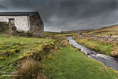 High Beck Head Feb 2019 (Richard Laidler) Tags: aonb agriculture areaofoutstandingnaturalbeauty barn beck buildings clouds cold countydurham darksky dramaticlight farm farmhouse fell fells globalgeopark highbeckhead hill hillfarm hills hillside landscape moody moor moorland moors northeastengland northpennines northpenninesaonb pennine stream teesdale upland upperteesdale whitewashed winter wintrysunshine