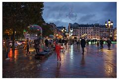 STREET PARIS RAINYDAY (Carlos Pinho Photography) Tags: street paris rain rainyday umbrella reflection red bubble