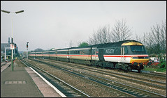 43013 'CROSSCOUNTRY VOYAGER' (Jason 87030) Tags: hst 43013 crosscountryvoyager grey white red yellow tram tren train platford railway station highspeedtrain branson richturd prick pillock beardedtwat scan slde 1997 leamingtonspa royal xc service shot classic franchise vermin virgin class43 powercar