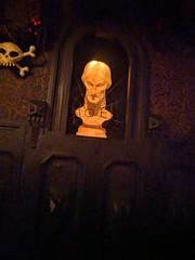 Noel spiderweb, Haunted Mansion,  Disneyland, Anaheim, California, USA (gruntzooki) Tags: disneyland anaheim orangecounty losangeles la ca dl disney california usa hauntedmansion hauntedmansionholiday