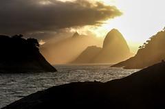 Sunset em Piratininga - Niterói - RJ (mariohowat) Tags: niterói pôrdosol sunset regiãooceânica piratininga praiadepiratininga canon riodejaneiro natureza