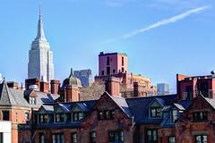 US NY NYC - Along the High Line (David Pirmann) Tags: nyc newyorkcity highline empirestatebuilding samsung nx1100