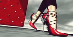 Petit Duc (Laura a surprise package in the kink department) Tags: azoury fameshed heels red secondlife