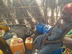 Alambique para destilar aguardiente de palma. Aldea Holi. Benín (escandio) Tags: tribu otros holi benin2018 benin 2018 benín
