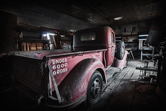 Forgotten Garage III (PNW-Photography) Tags: palouse whitmancounty whitman rural garage country farming farm washington urbex explored explore found treasure hidden