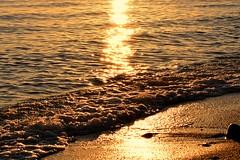 Winter waves (msamrodriguez) Tags: sunset atardecer sinfiltros sea beach winter wave estepona costadelsol spain sand arena mar olas agua water