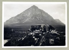 "Tea Time! (Vintage Cars & People) Tags: vintage classic black white ""blackwhite"" sw photo foto photography automobile car cars motor vehicle antique auto road countryside mountainside landscape landmark thebuachaille buachailleetivemòr stobdearg a82 highlands scotland picnic picknick piquenique fashion basket wickerbasket tea teatime cup teacup"
