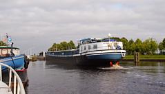 TRANSITO (kees torn) Tags: transito binnenvaart hoogeveen hoogeveensevaart nieuwebrugsluis