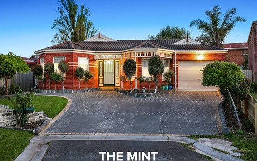 11 Mount Ct, Mill Park VIC 3082