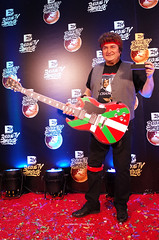 Andoni Ortuzar like Bruce Springsteen (Iker Merodio | Photography) Tags: bruce springsteen andoni ortuzar aratuste inauteri carnival sabin etxea bilbao bizkaia biscay basque country euskadi ikurrina flaf ricoh gr ii 2