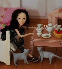 Good Morning.... (stashraider) Tags: agave oxana alexey geets ball jointed resin doll sculpted cats amazing art superb posing