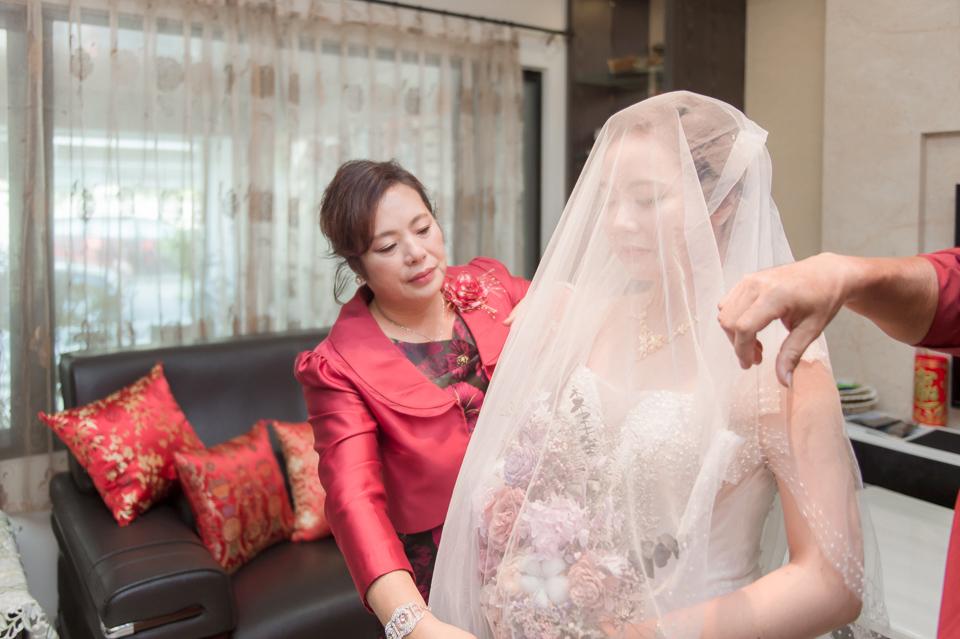 台南東東宴會式場 婚宴 走在幸福的紅毯上 R & B 063