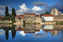 Trebinje Mirror (hapulcu) Tags: bosnaihercegovina bih bosna bosnia herbst hercegovina trebinje automne autumn autunno otoño toamna