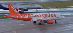easyJet Airbus A319-111 G-EZIO UNICEF Livery (EK056) Tags: easyjet airbus a319111 gezio unicef livery düsseldorf airport